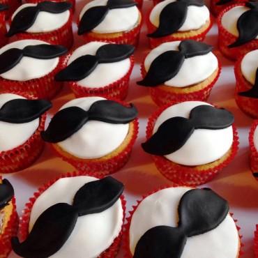 Cupcakes Μουστάκια